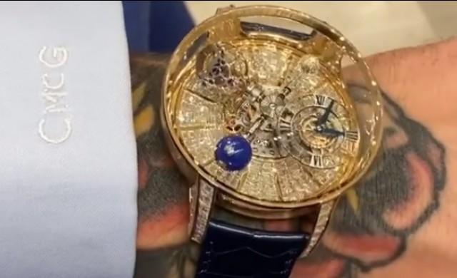 Спортист показа новия си часовник за 1 млн. долара