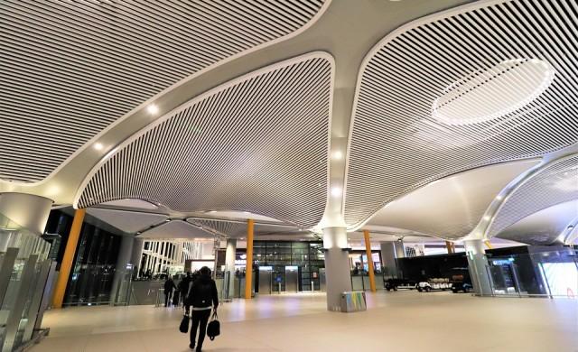 През 2020 г. Хийтроу изгуби короната си на най-натовареното летище в Европа