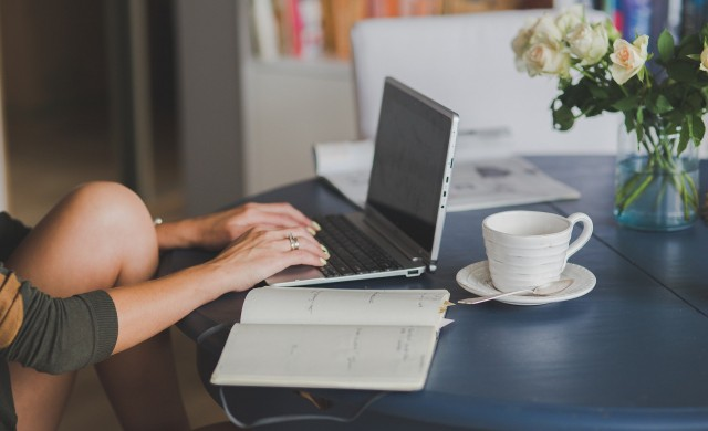 Все повече работодатели оборудват домашния офис на служителите си
