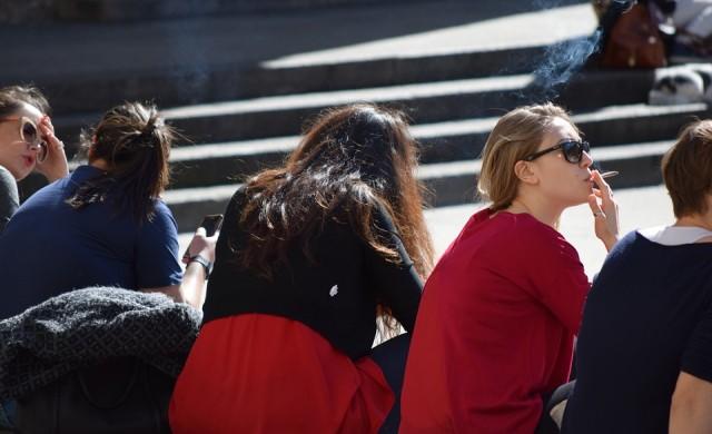 Тютюнопушенето на открито вече е забранено на много места в Милано