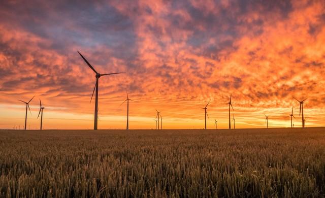Шведска компания ще строи вятърни турбини, високи колкото Айфеловата кула