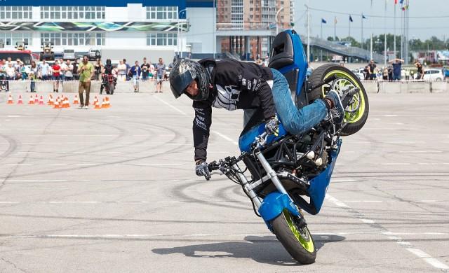 Дънки с въздушни възглавници ще предпазват мотоциклетистите