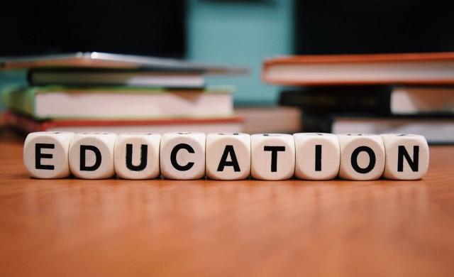 Данъчни служители ще преподават финансова грамотност в училищата
