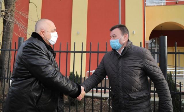 Борисов от Сливница: От 4 февруари се възобновяват и извънкласните дейности