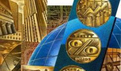 Златото консолидира, петролът поскъпва, подкрепен от опасенията за редовността на доставките