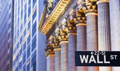 Dow Jones вчера за кратко падна под 10 000 пункта
