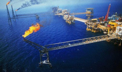 Китай задмина САЩ по внос на арабски петрол