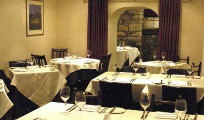 Ресторант даде безплатна вечеря за посетители по гащи
