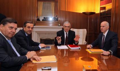 Гърция отстъпва пред международните кредитори