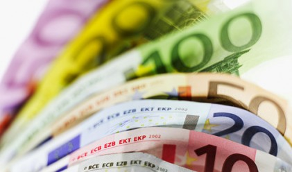 Еврото с двумесечен максимум