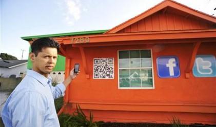 Американци превръщат къщите си в билбордове, за да си платят ипотеката
