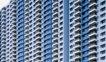 Махаме незаконните си балкони