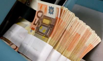 Защо теглим кредити основно в евро?