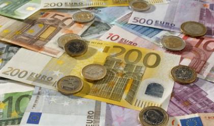 Жилищните кредити в евро поевтиняха с 0.72 пр. п. за година