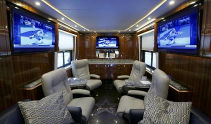 Вижте как изглежда луксозният автобус на Далас Каубойс