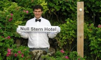 null stern hotel. Black Bedroom Furniture Sets. Home Design Ideas