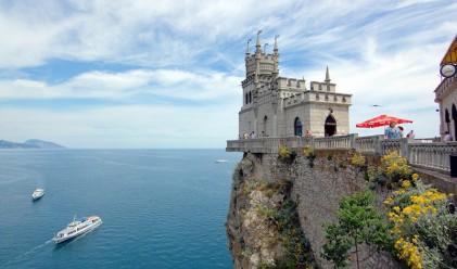 Невероятният замък Лястовиче гнездо