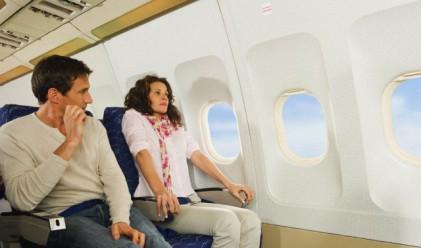 Защо никога да не пиете вода в самолета