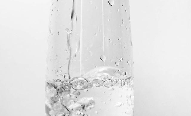 Осем причини да пиете вода след събуждане