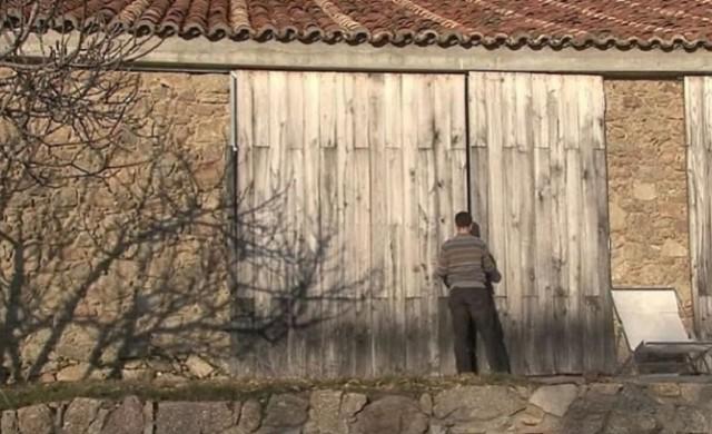 Зад тези врати няма краварник