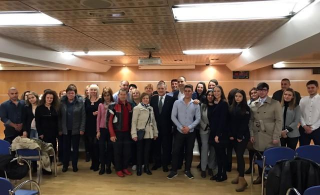 Цветан Цветанов се срещна с българската общност в Испания