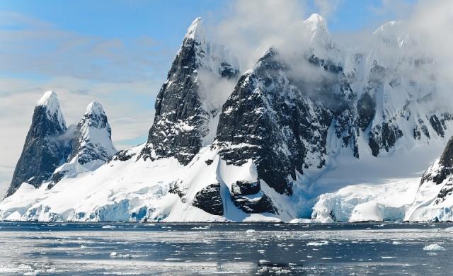 Вулкан на Антарктида е портал към друг свят?