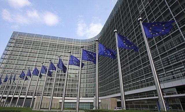 ЕК ни хвали за напредък във финансовия сектор
