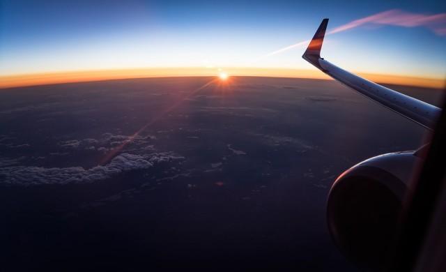 Как да оцелеете по време на най-дългия полет в света