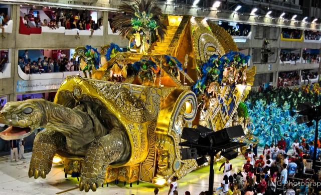 Ще спаси ли карнавалът в Рио бразилската икономика?