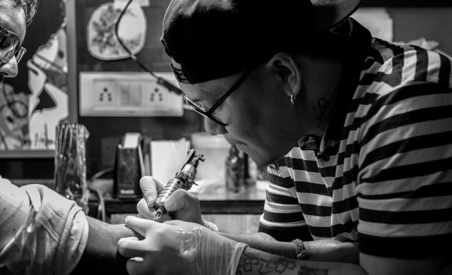 Тя е най-татуираната жена в света