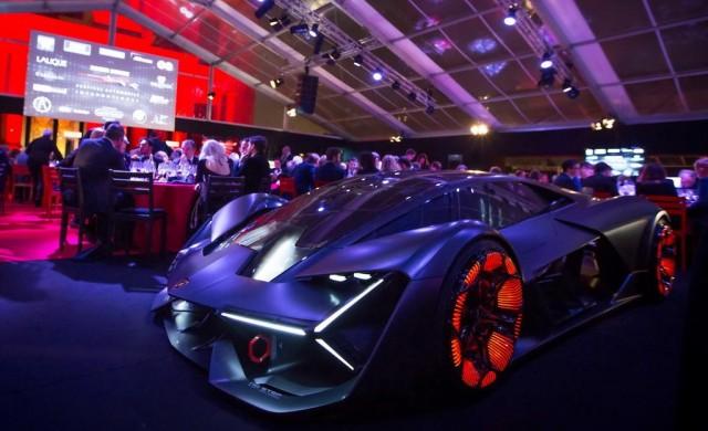 Lamborghini смая парижани с електрическата Terzo Millennio