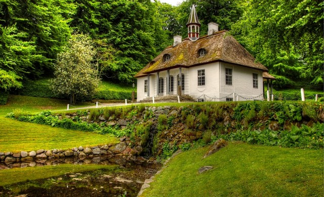 Læsø – островът, на който покривите на къщите са от водорасли