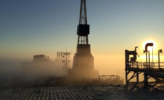 МАЕ: САЩ ще добива повече петрол от Русия най-късно през 2019 г.