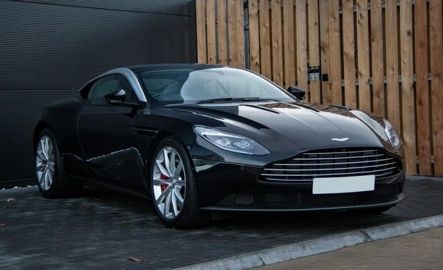 Aston Martin обмисля IPO
