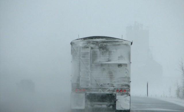 Ограничения в движението на магистрала Хемус заради снеговалеж