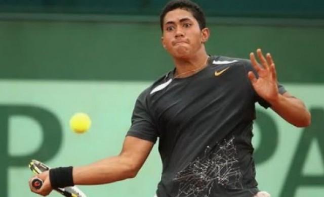 Той беше обещаващ тенисист, но след това започна да урежда мачове