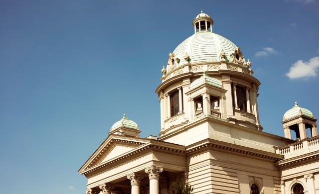 Сръбската опозиция започва бойкот на парламента