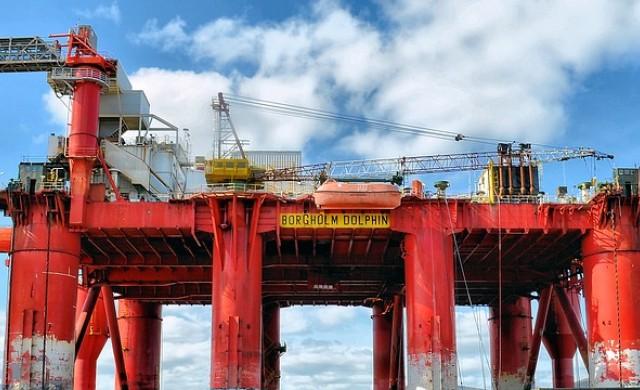 ОПЕК намали производството с 800 000 барела на ден през януари