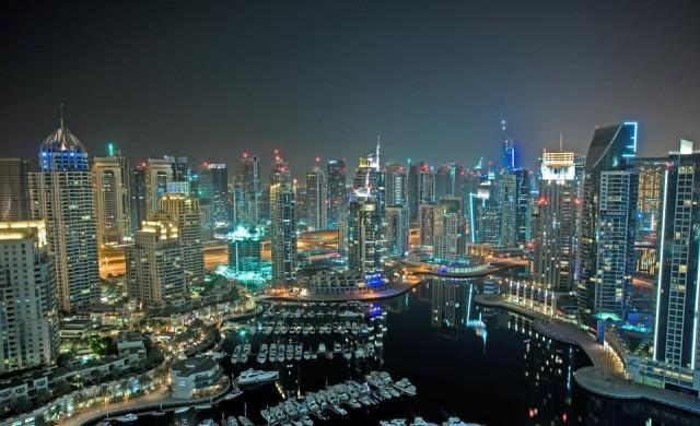 Дубай чупи собствения си рекорд за най-висок хотел в света
