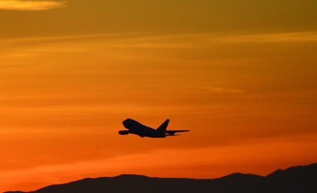 Самолет счупи рекорда за най-бърз полет
