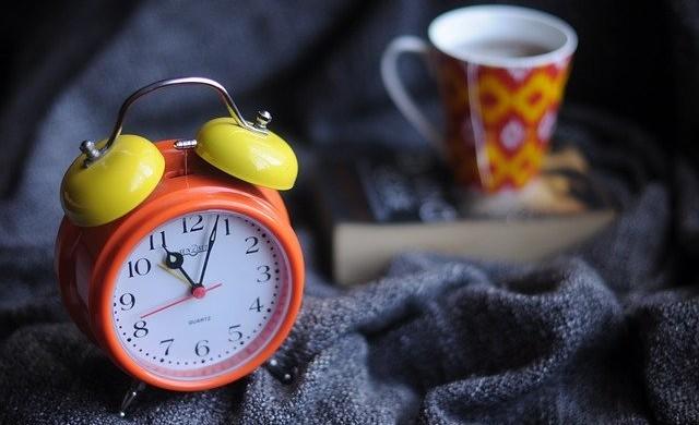 Страничният ефект на будилника