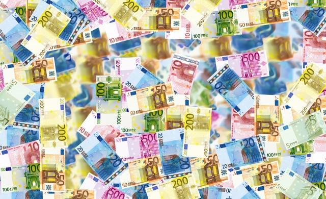 Близо 1.5 млрд. обърнати в евро само през последната седмица