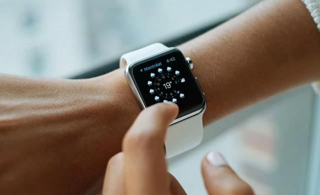 Убиват ли умните часовници швейцарската часовникарска индустрия?