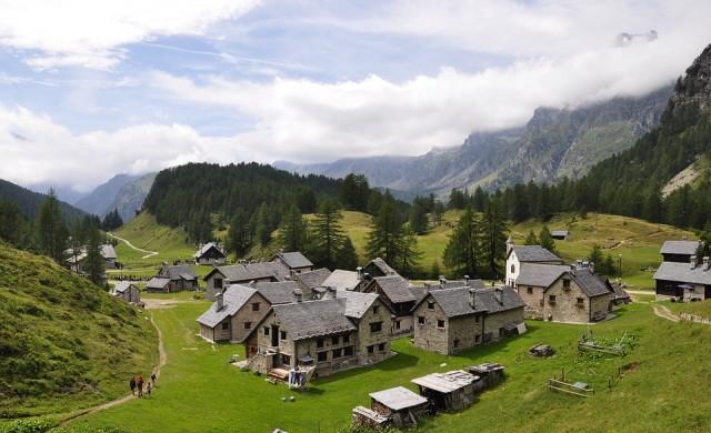 Градче в Италия плаща по 150 евро на месец, за да живеете в него