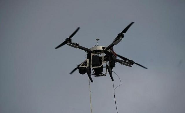 Какво е общото между дроновете и интернет?