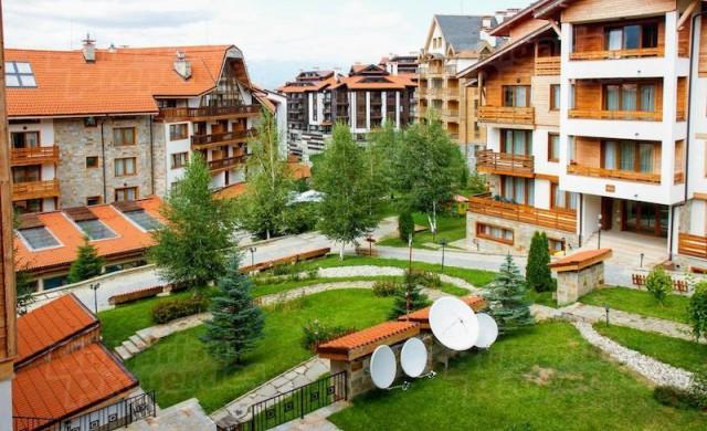 Живот в планината: луксозният комплекс Свети Иван Рилски в Банско