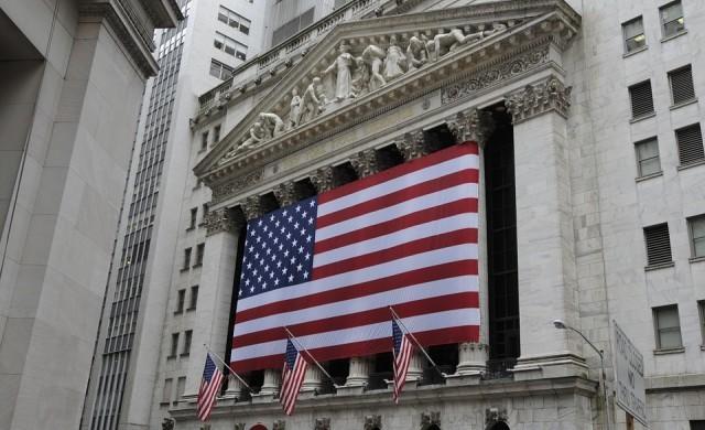 Щатските борсови индекси вчера паднаха с най-много от две години