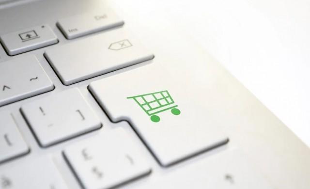 Онлайн продажбите оформят 11% от търговията на дребно в САЩ