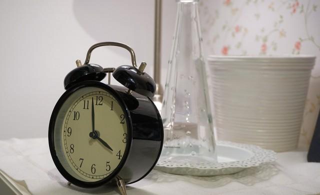 По колко часа на нощ спи най-богатият човек в света?