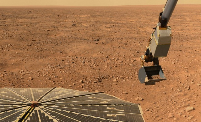 НАСА пусна цветни снимки на Марс